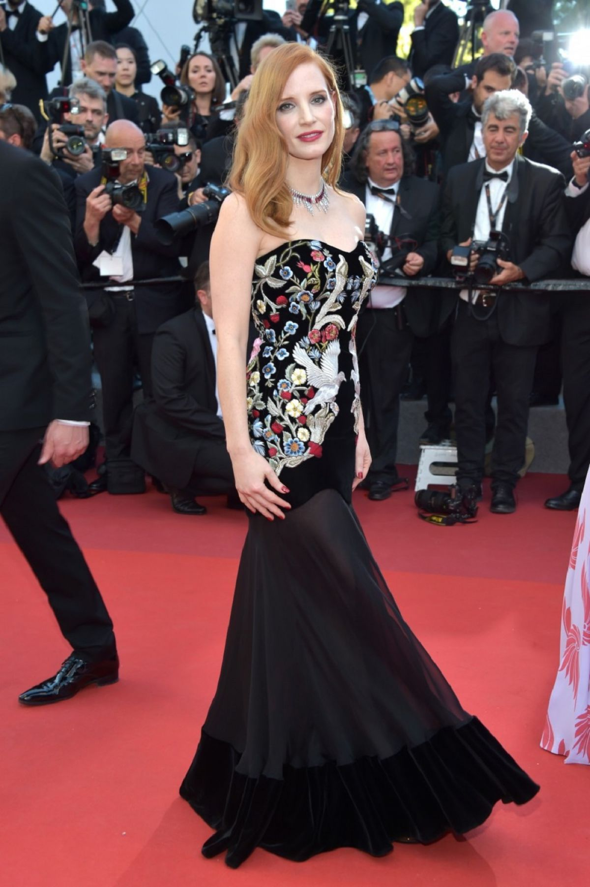 jessica-chastain-at-ismael-s-ghosts-screening-and-opening-gala-at-70th-annual-cannes-film-festival-05-17-2017_1